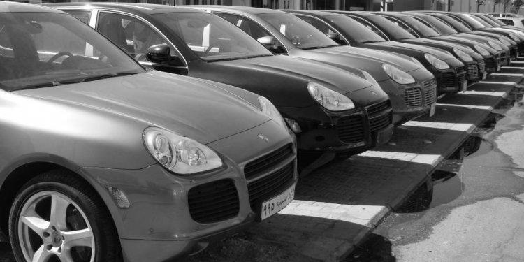 Car_showroom.jpg